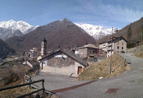Piedicavallo, Italien: getlstd_property_photo