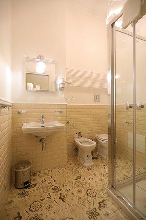 Macchiato Suites: Bagno Premium Room
