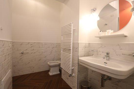 Macchiato Suites: Ensuite Bathroom Deluxe Room