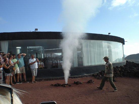 Timanfaya National Park: Steam/Water Demo