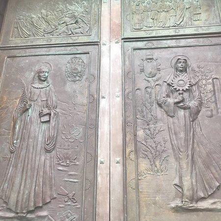 Cattedrale di Santa Maria di Monserrato Image