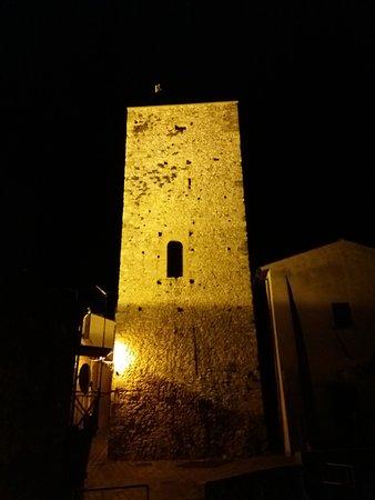 Montopoli di Sabina, Ιταλία: torreeeeeeeeeeeeeeeee