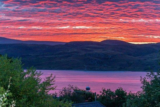 Tighnabruaich, UK: Sunrise as seen from breakfast room