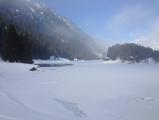 Amsteg, Szwajcaria: Zur Morgenstunde