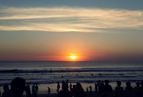 kuta beach sunset クタ バリ島 クタビーチの写真 トリップアドバイザー