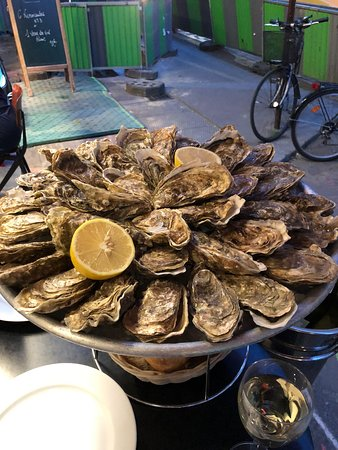Le Comptoir des Mers : All You Can Eat Oysters