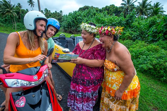 Cook Islands: Say Kia Orana to these friendly faces when you're driving to different places - Matavera