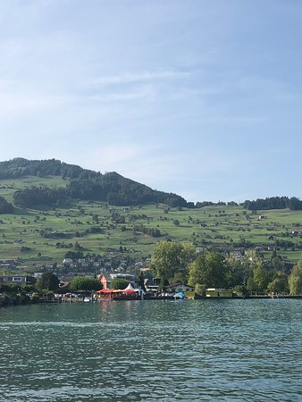 Buochs, สวิตเซอร์แลนด์: Another lakeside view.