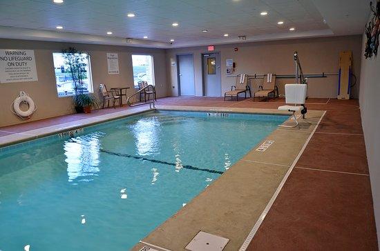 Newington, CT: Pool