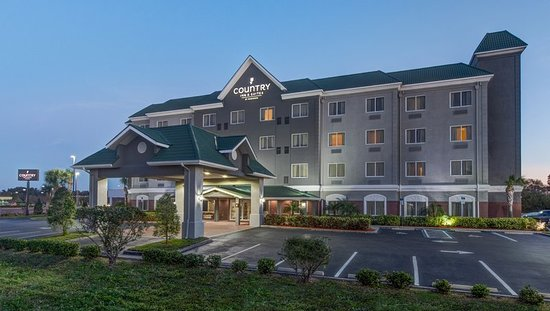 Country Inn & Suites by Radisson, St. Petersburg - Clearwater, FL Hotel