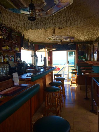 Paddys Irish Bar: Inside