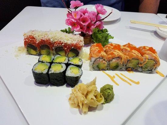 Sicklerville, NJ: Sushi plate