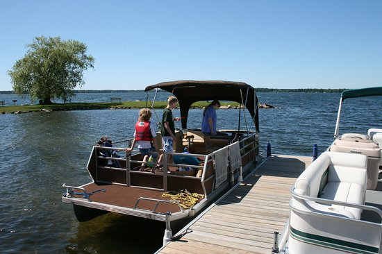 Bear Lake, MI: Headed out for the day on the pontoon boat.