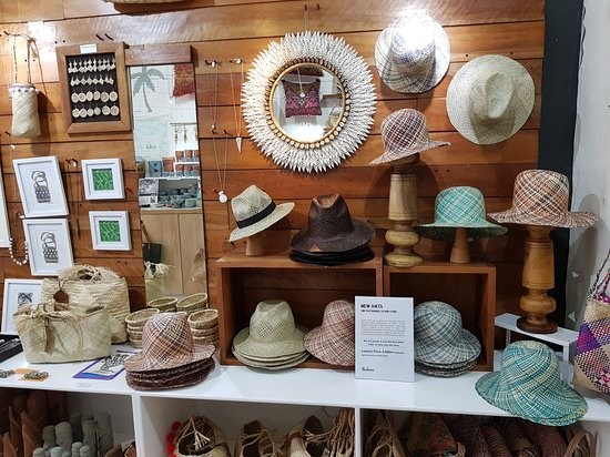 Port Vila, Vanuatu: beautiful new locally made hats