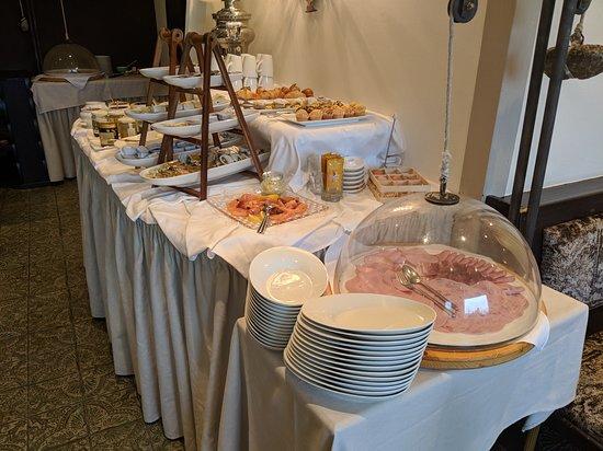 Stuben, Østerrike: Breakfast buffet