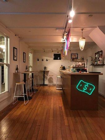 The Bar At Ronas Picture Of Ronas Akaroa Tripadvisor