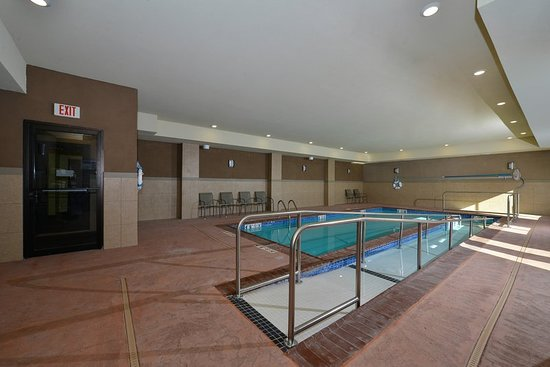 Holiday Inn Express Hotel & Suites Alva: Pool