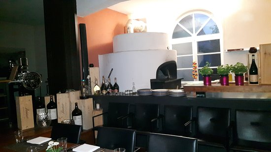 Wendlingen am Neckar, Niemcy: Pizzaofen