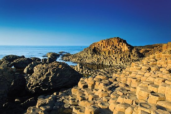 Guided Day Tour of Giant's Causeway...
