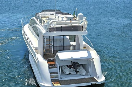 Cagliari: Luxury Boat Private Tour