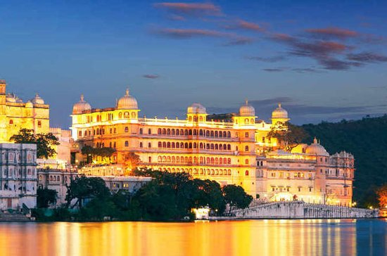 Udaipur Sightseeing Tour With Monsoon...