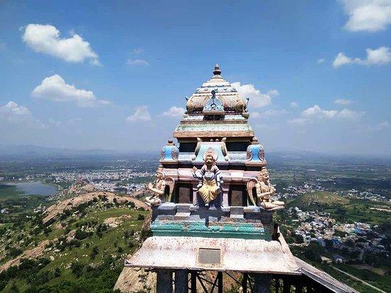 Sri Yoga Narasimhar Temple Sholingur, Sholinghur - TripAdvisor