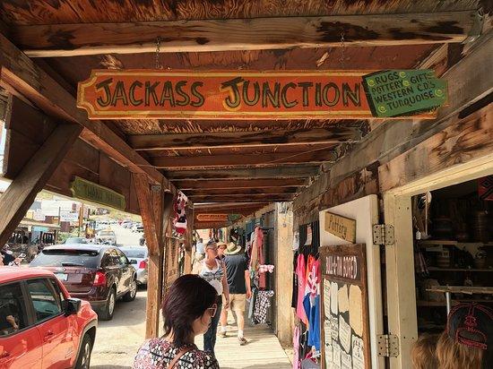 Desert Wonder Tours & Trips: Boutique Shops & Antique Stores