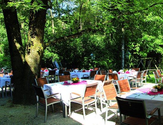 Rabenstein an der Pielach, Österreich: Gastgarten Terrasse