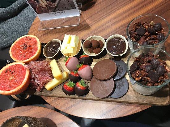 Peter Beier Chokolade: Chokoladebrunch med alskens godter