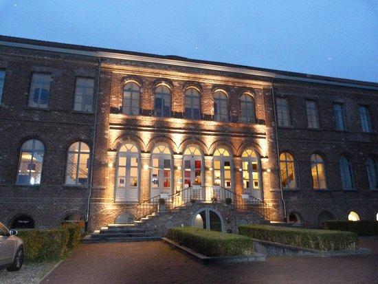 Sint-Laureins, เบลเยียม: Voorkant Hotel