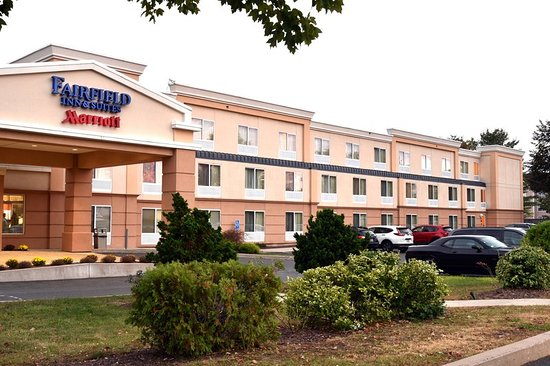 Fairfield Inn & Suites Hartford Airport: Exterior