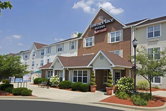 TownePlace Suites Bloomington: Exterior