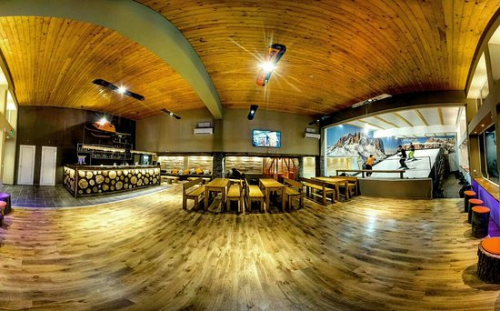 CARVE Indoor Ski, Board & Bar