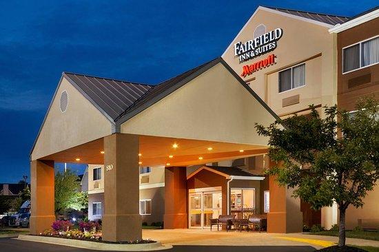 fairfield inn suites lansing west 101 1 0 9. Black Bedroom Furniture Sets. Home Design Ideas