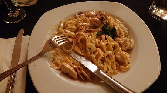 Adriana's Restaurant: Fetuccini Della Nonna