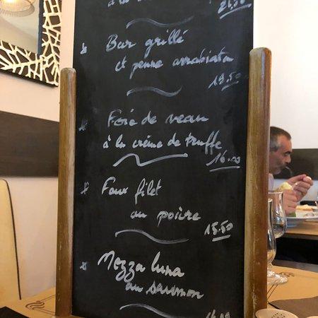 Les Lilas, France: L'olivier