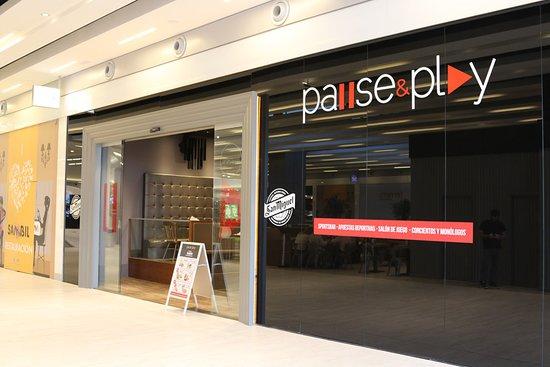 Pause&Play (C.C Sambil)