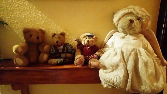 Alvie, UK: Teddies on the landing to welcome you.