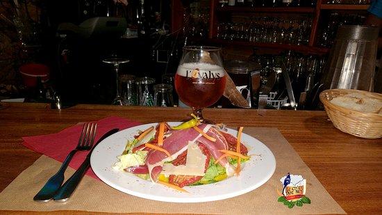Le Ch'ti Pot Ney - Estaminet - Restaurant - Bar: SALADE DE L'OVALIE : Jambon fumée/Rillettes piment Espelette