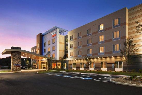 Fairfield Inn Amp Suites Akron Fairlawn Ohio Hotel