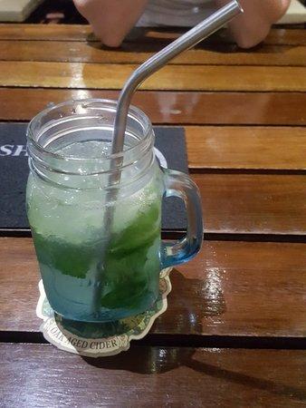 Reef Sports Bar & Restaurant Photo