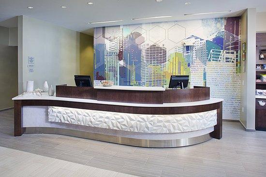 Carle Place, Estado de Nueva York: Lobby