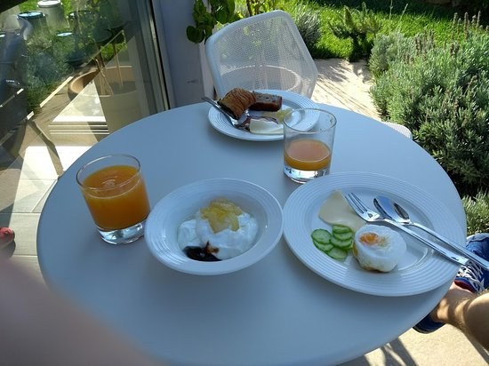 Potamos, Hellas: Breakfast