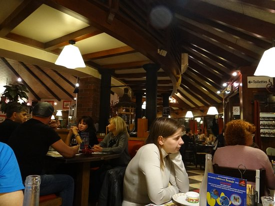 Grill Courtepaille Rosny sous Bois: Binnenzijde restaurant