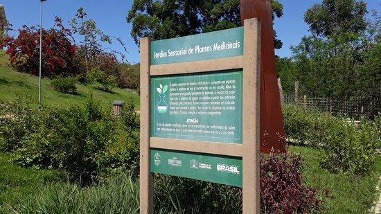 Jardim botanico Irmaos Vilas Boas: Placa descritiva