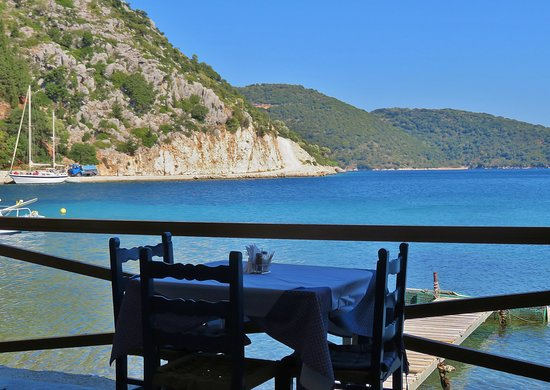 Frikes, Yunani: lunch with a view!