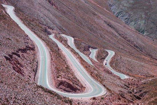 Door to the Andes (Cuesta Del Lipan): vueltas y desniveles