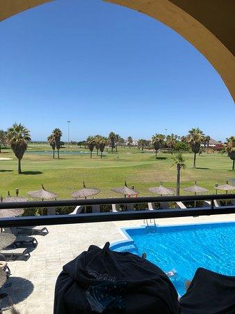 Vista Desde La Terraza Al Campo Del Golf Y Al Fondo El Mar