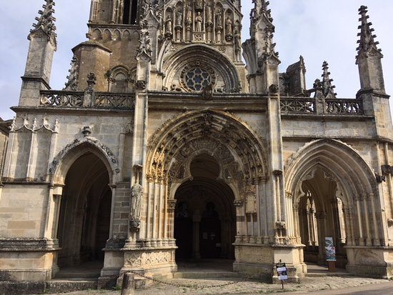 Eglise Notre Dame de Saint-Pere