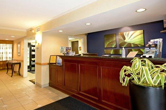 New Stanton, Pensilvania: Lobby